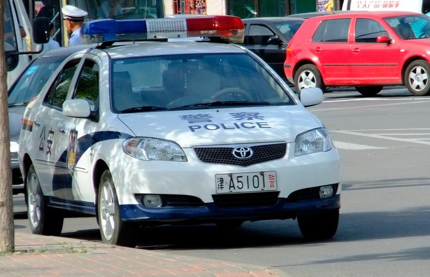 Автомобиль протаранил толпу в Китае: два человека погибли