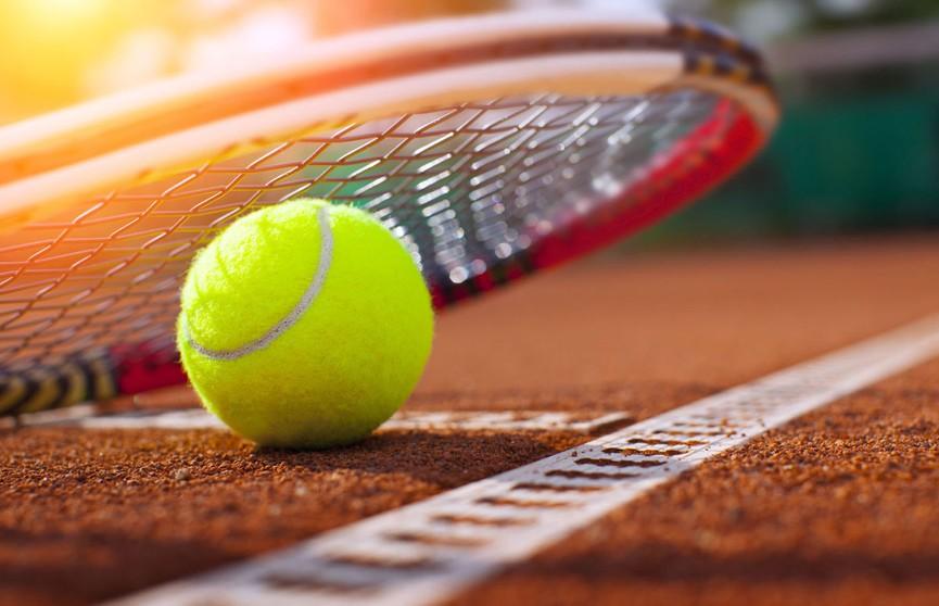 Арина Соболенко успешно выступает на турнире в Аделаиде