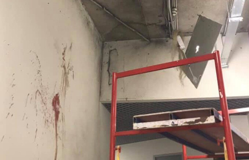 В киевском торговом центре взорвалась дымовая шашка. Рабочий зажёг её, чтобы проверить исправность пожарной сигнализации