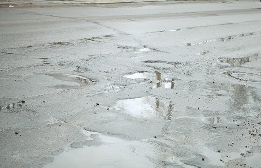 Жители Могилёвской области пожаловались на состояние дорог и ремонт крыш накануне зимы