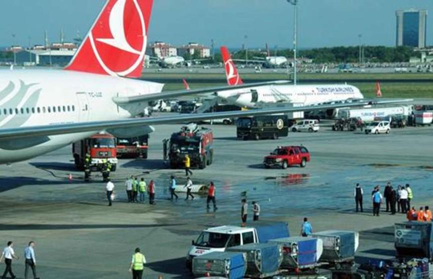 Пассажирские самолёты столкнулись в аэропорту Стамбула