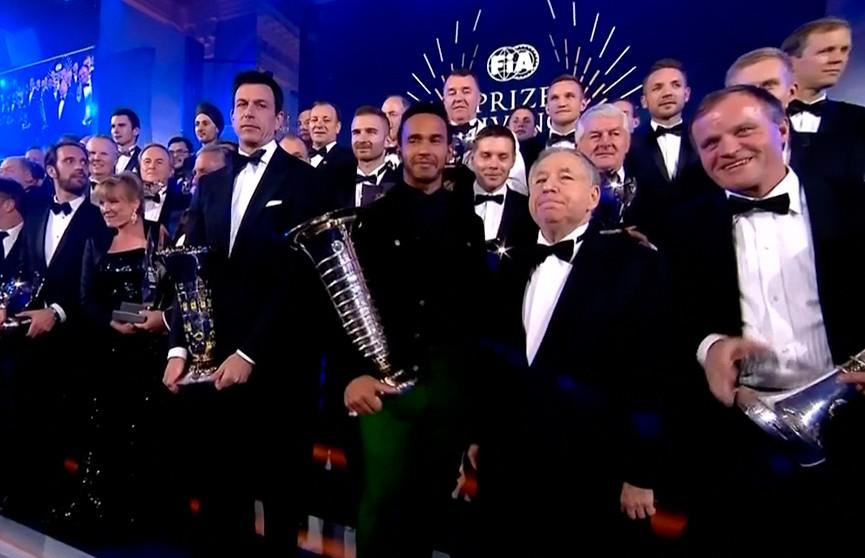 Международная автомобильная федерация назвала имена лучших гонщиков мира