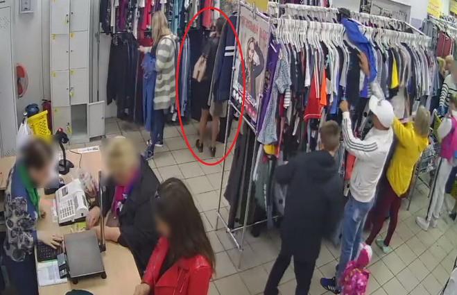 Жительница Калинковичей совершила серию краж кошельков у посетительниц магазинов