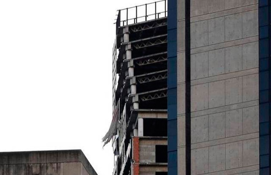 Фотофакт: 200-метровый небоскрёб накренился в Венесуэле после землетрясения