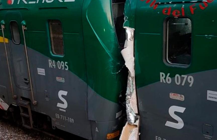 50 человек пострадали при столкновении двух поездов в Италии