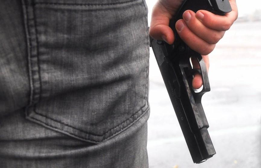 В Ляховичах парень устроил стрельбу из пневматики во дворе многоэтажки