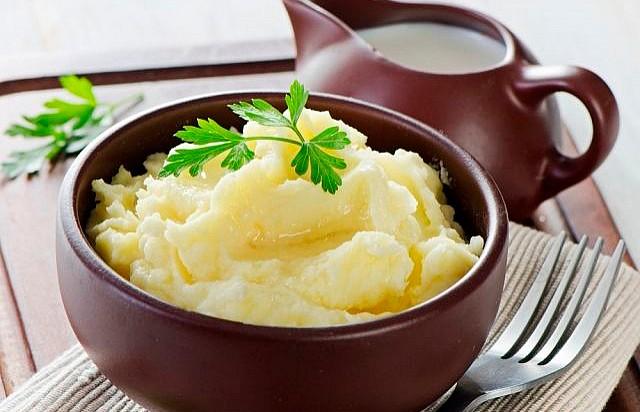 Популярный повар раскрыл секрет идеального картофельного пюре