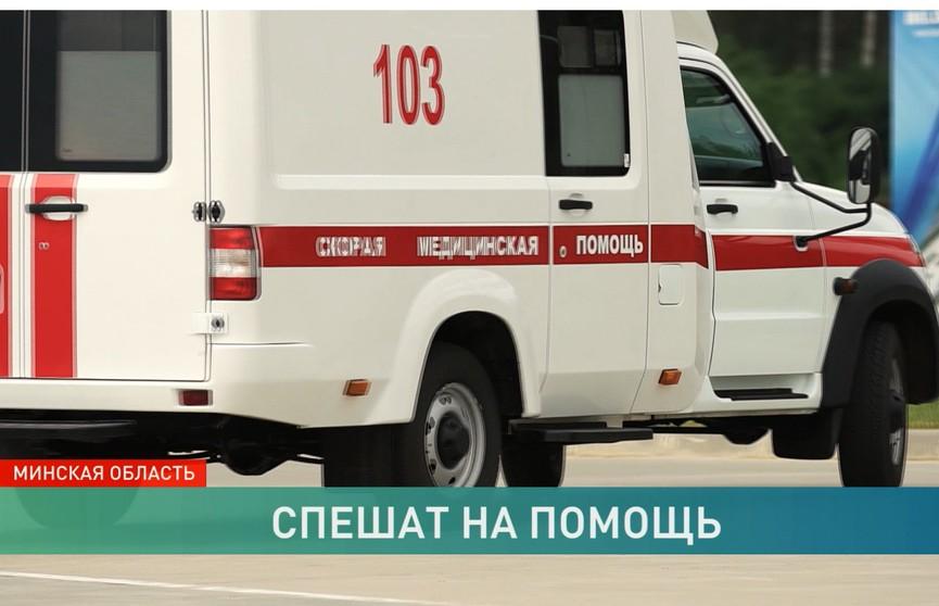 Ко Дню медработника врачи получили новые спецмашины: как работается бригадам скорой помощи