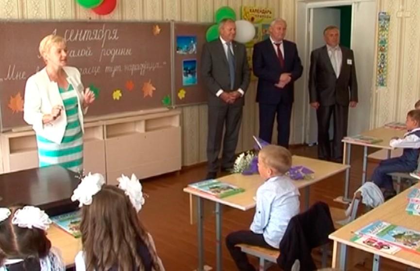 Год малой родины: чиновники отправились по родным учебным заведениям