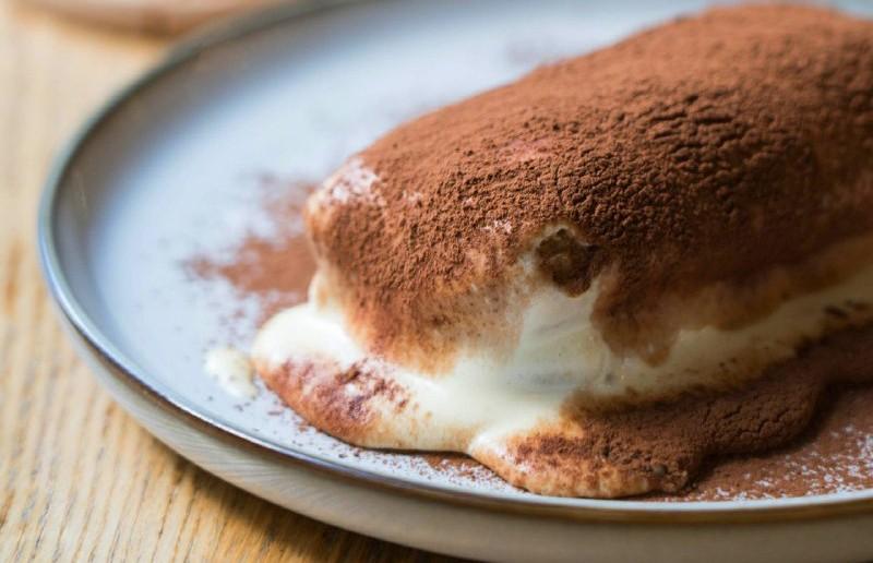 Готовить легко, а съедается мгновенно: тирамису – изумительный летний десерт. По нашему рецепту 100% получится!