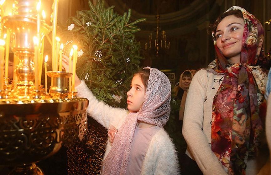 Александр Лукашенко поздравил православных христиан с Рождеством Христовым