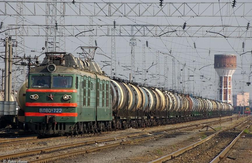 В Минске 22-летний парень попал под грузовой поезд и остался жив
