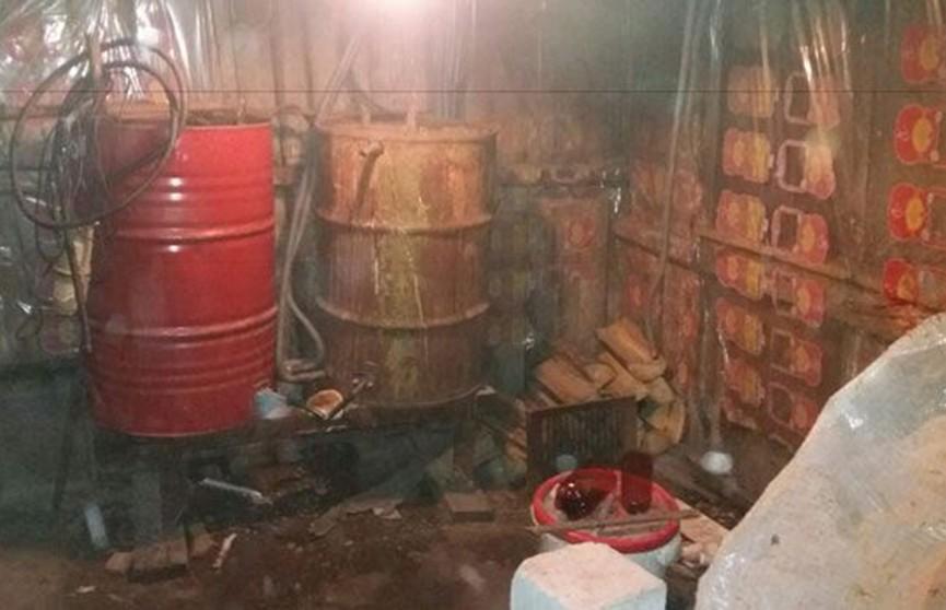 Более 500 л самогонной браги изъяли в деревне под Молодечно