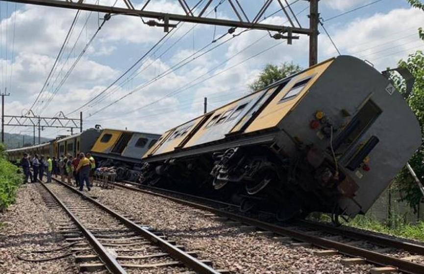 Столкновение поездов в Южной Африке: сотни раненых, есть погибшие