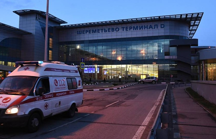 Восемь человек пострадали при эвакуации из самолета в Шереметьево