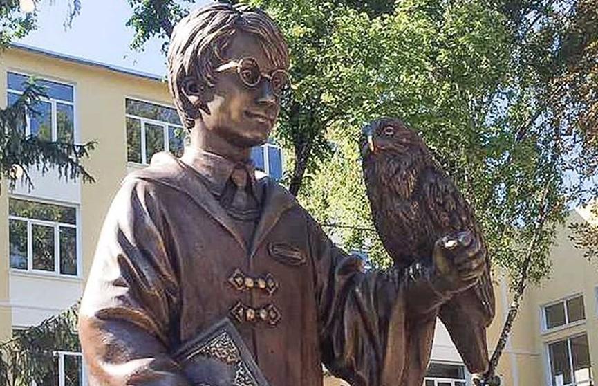 В Молдове открыли памятник Гарри Поттеру