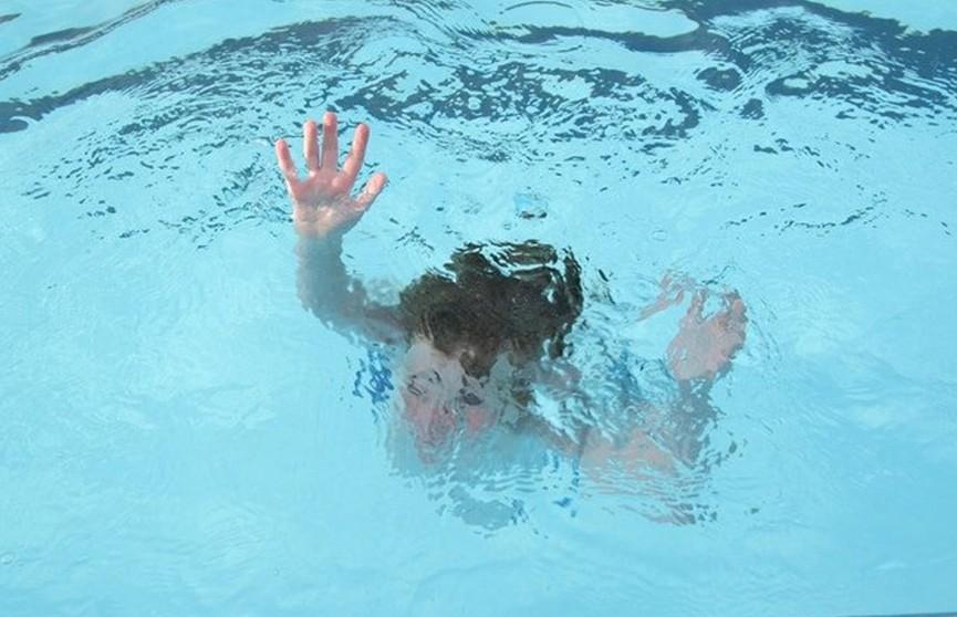 Туристка искупалась в бассейне и умерла