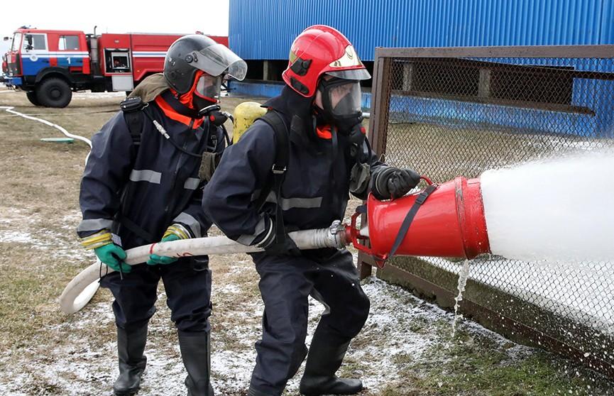 25 единиц техники и вертолёт: масштабное учение по ликвидации пожара в Минске