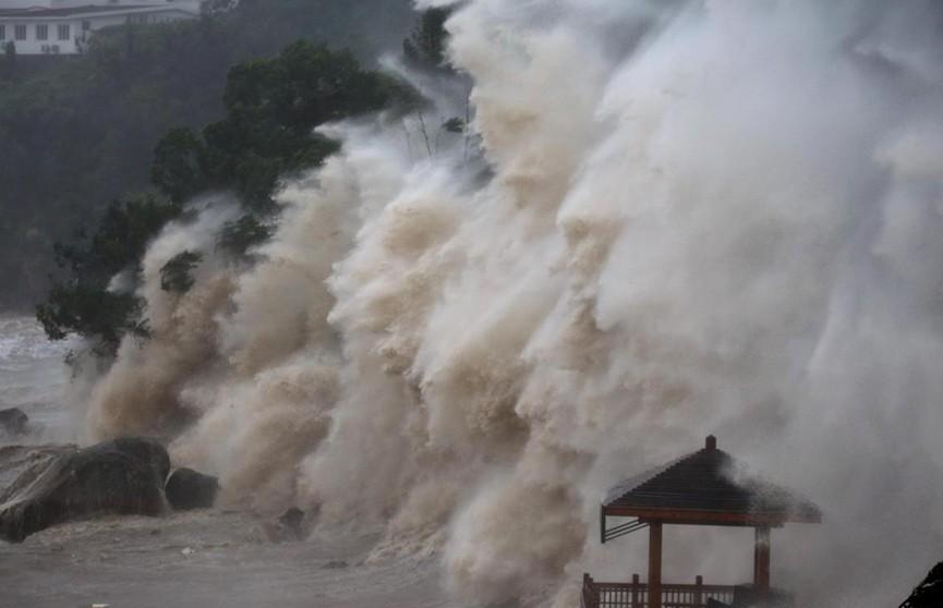 Смертоносный тайфун после Японии накрыл восточное побережье Китая