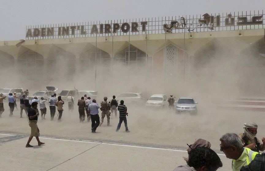 В Йемене аэропорт подвергся минометному обстрелу: погибли около 30 человек