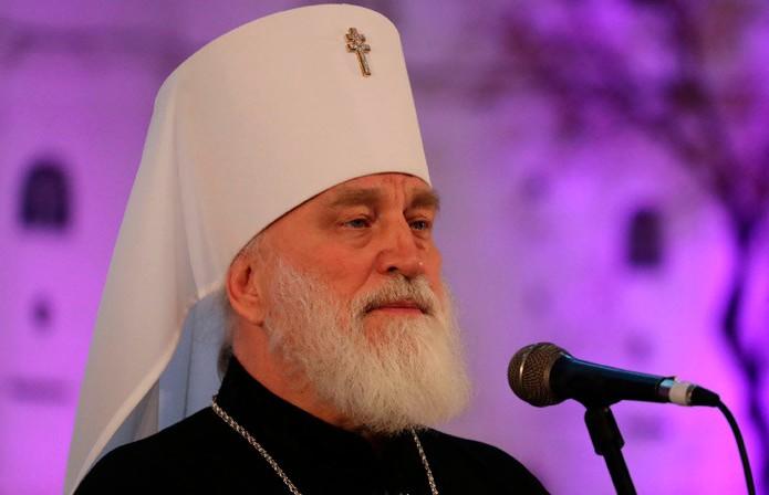 Глава БПЦ призвал верующих воздержаться от посещения церквей на Пасху