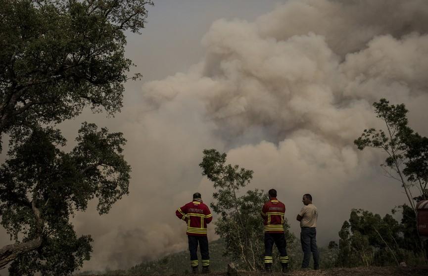Два человека погибли при крушении лёгкого самолета на западе Португалии