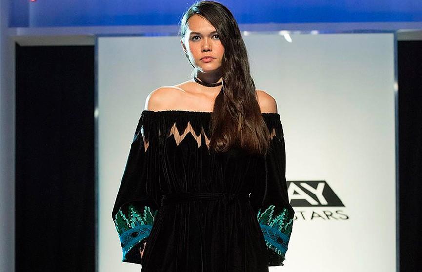 Уроженец Беларуси покорил судей модного американского шоу дизайном наряда с национальными мотивами