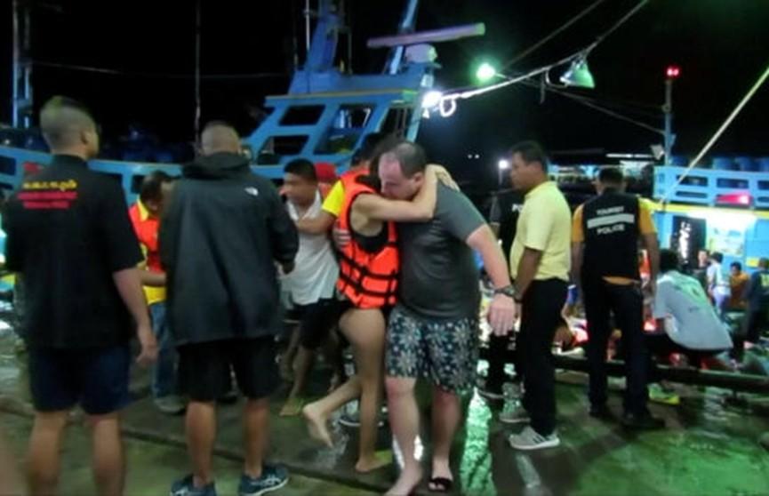Вблизи острова Пхукет продолжается поисково-спасательная операция