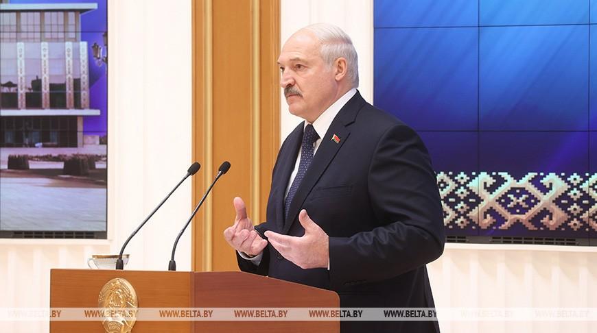 Лукашенко потребовал ужесточения кадровой дисциплины