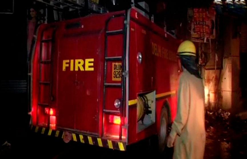 Пожар на предприятии в Нью-Дели: погибли 43 человека