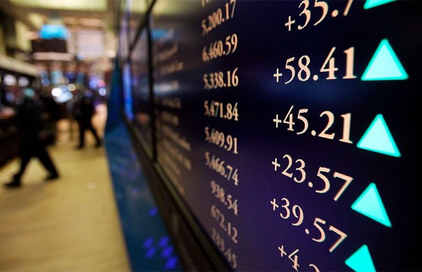 Мировые фондовые рынки и цены на нефть восстанавливаются после обвала