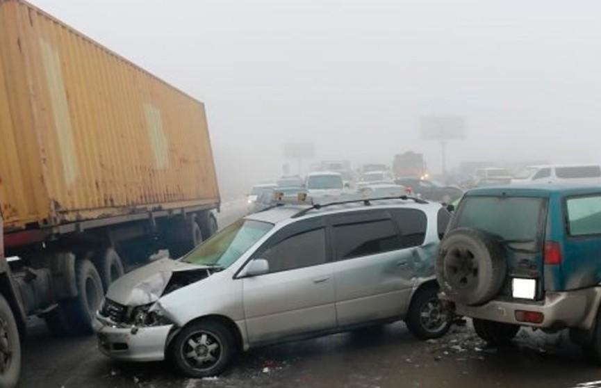 Массовое ДТП в Казахстане: столкнулись сразу 30 автомобилей