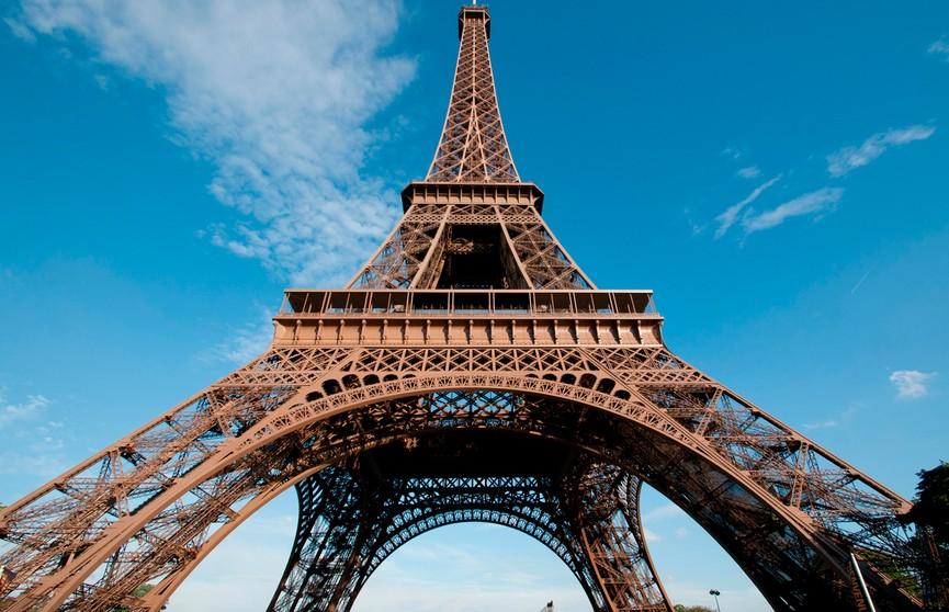 Традиционный забег на Эйфелеву башню прошёл в Париже