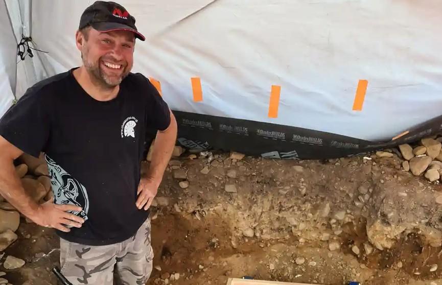 В Шотландии охотник за сокровищами нашел клад возрастом в три тысячи лет