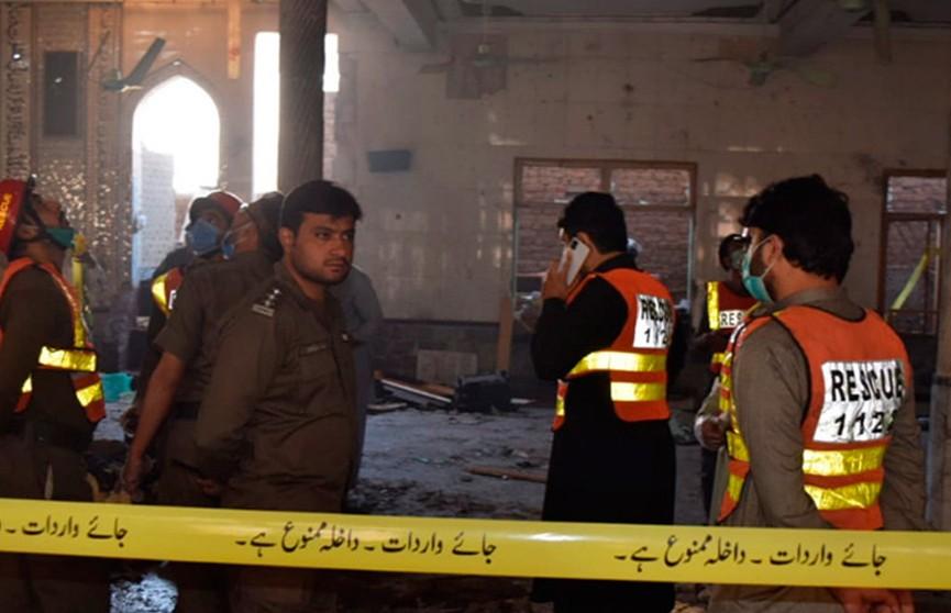 Семь человек погибли при взрыве в семинарии в Пакистане