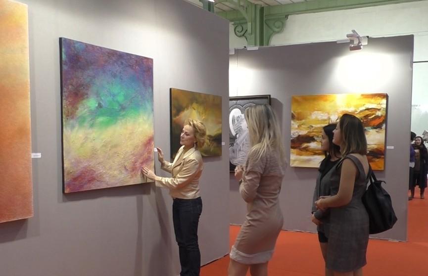 Работы белорусских художников представлены на выставке «Арт Капитал» в Париже