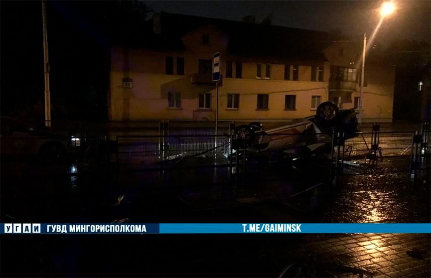 На ул. Плеханова в Минске нетрезвый водитель перевернулся на каршеринговом Chevrolet