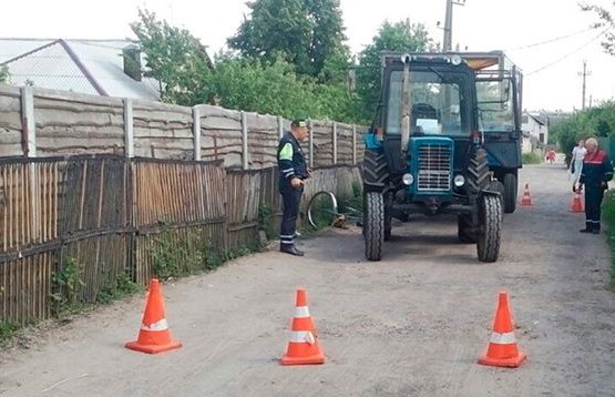Трактор насмерть сбил велосипедиста в Гомельском районе