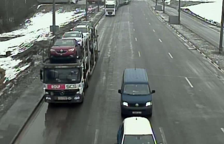 Очередной сбой: очереди из большегрузов сохраняются на границе с Литвой