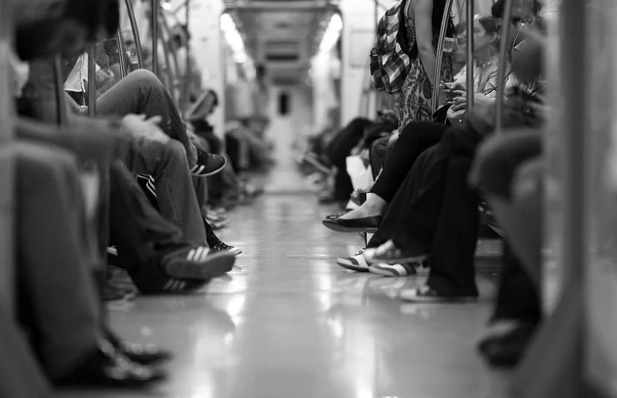 В московском метро пассажиры избили родителей ребенка с аутизмом