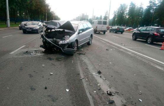 ДТП возле Восточного кладбища в Минске: столкнулись три машины, пострадали трое