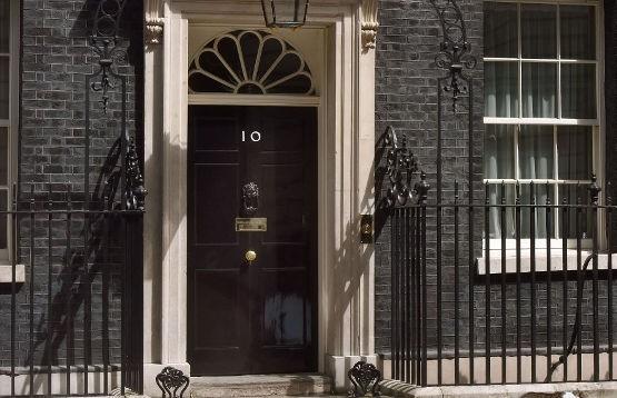 Восемь политиков готовы бороться за пост премьер-министра Великобритании