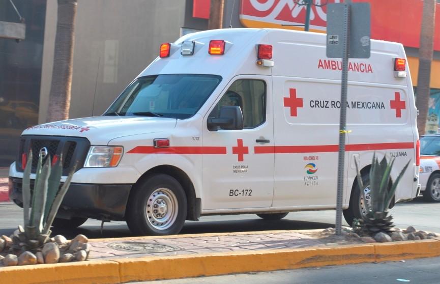 Автобус полиции протаранил стоянку такси в Мексике