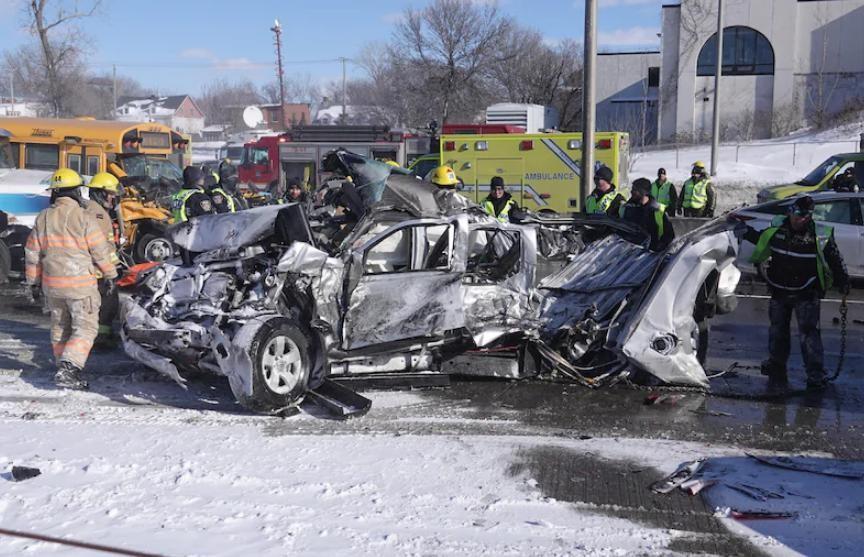 Более 60 человек пострадали в ДТП с участием 200 автомобилей в Канаде