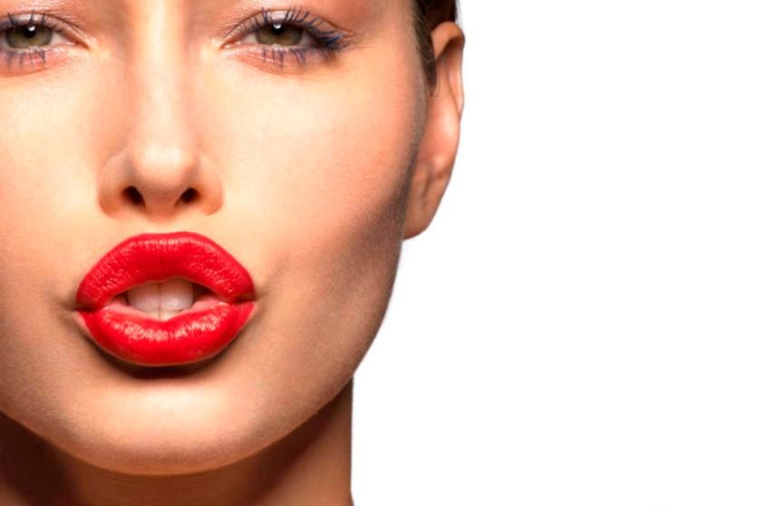 В сети распространился новый бюджетный способ увеличения губ