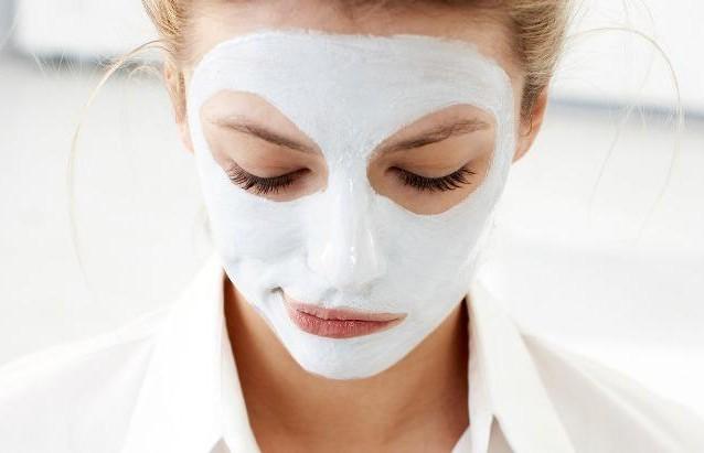 Из-за бюджетной увлажняющей маски девушка стала похожа на «вареного омара»