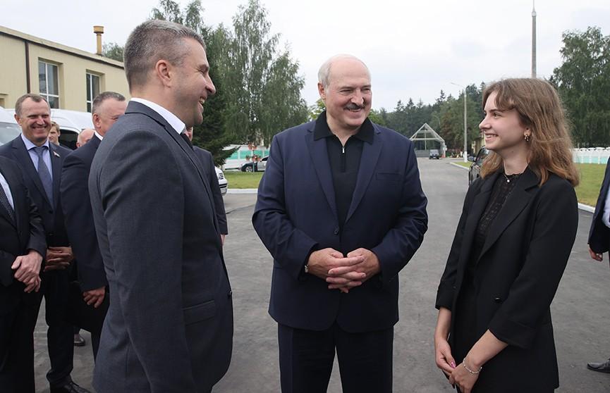 Лукашенко посетил агрокомбинат «Дзержинский»