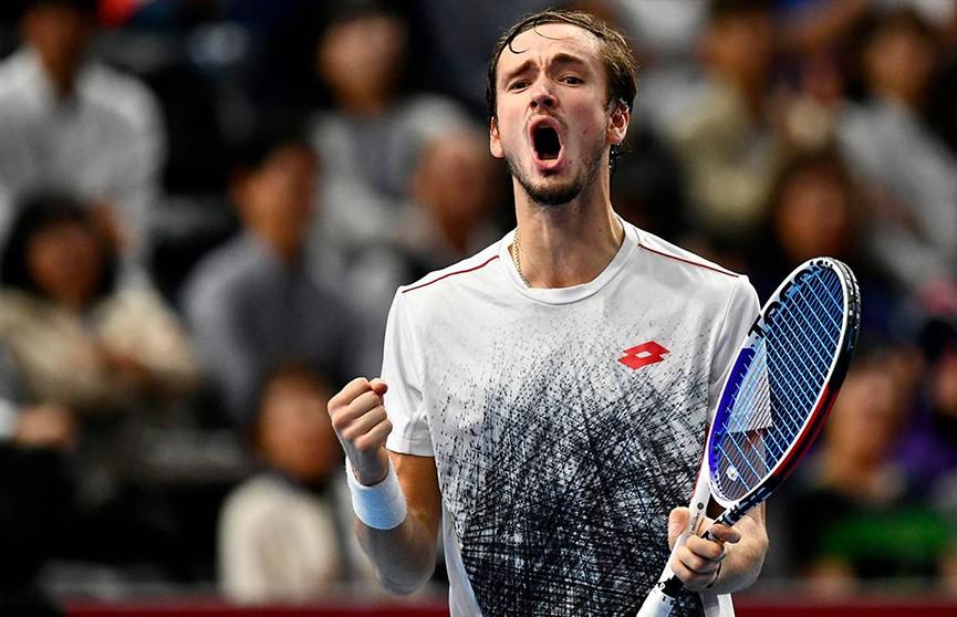 Даниил Медведев вышел в полуфинал Итогового теннисного чемпионата в Лондоне