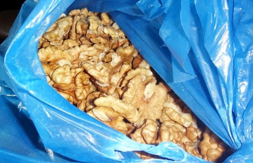 Полутонна грецких орехов была изъята в Столине