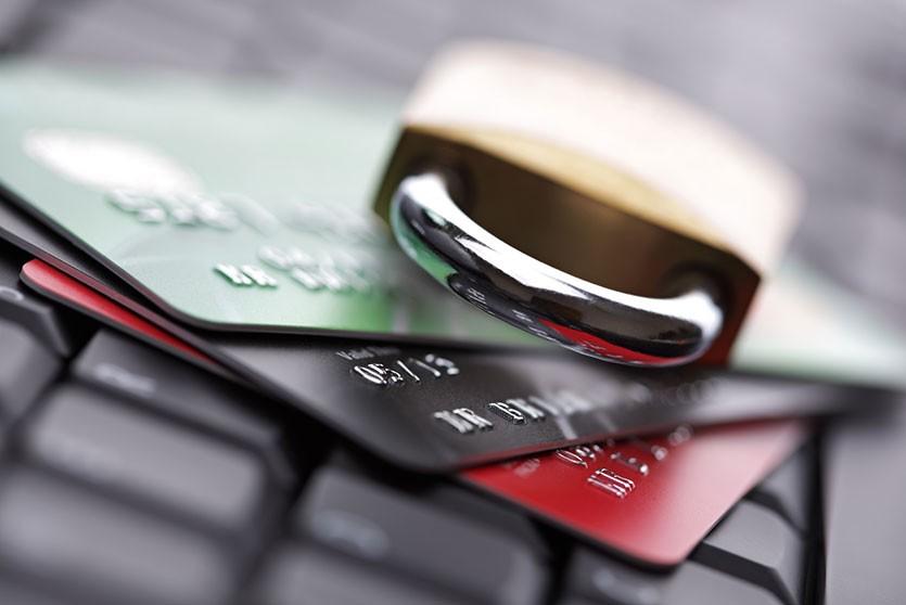 Хакер-мошенник из Минска украл более 60 тысяч рублей с карточек жителей США и Великобритании